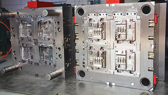 high-quality-injection-mold-with-complex-construction